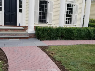 landscaping companies in newtown ct